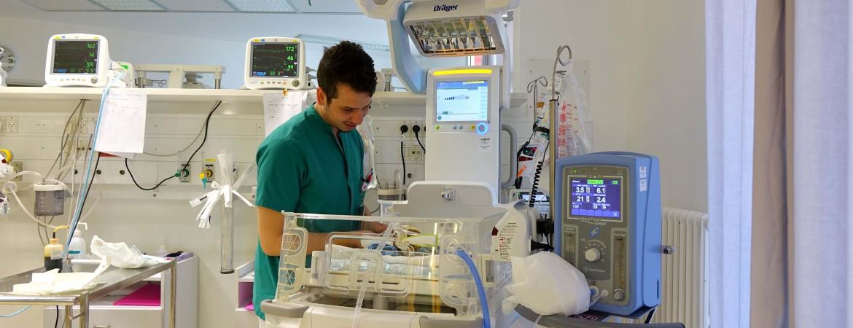 حاضنة جديدة: إضافة قيّمة لمعدات وحدة العناية المركزة في مستشفى كاريتاس للأطفال