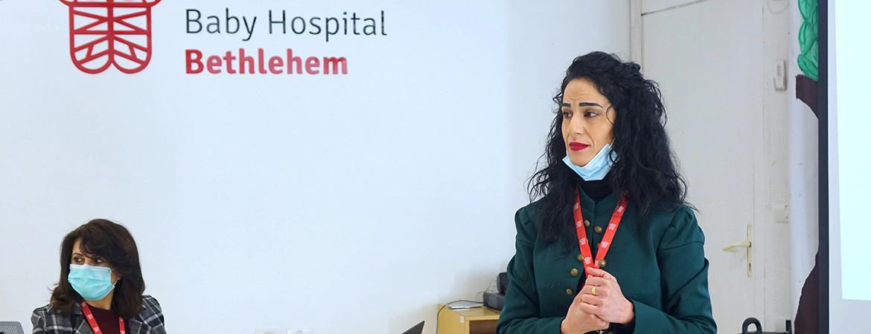 ممرضي مستشفى كاريتاس للأطفال يستكملوا ورشة عمل حول إدارة الأدوية والمخاطر