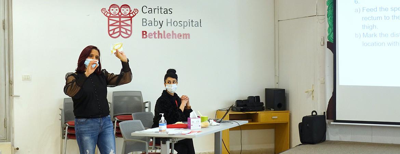 مستشفى كاريتاس للأطفال يستكمل ورشة عمل حول الأطفال الخداج