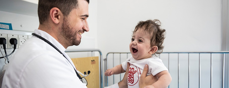نصيحة الدكتور هيثم عريقات للتحكم بحالة التشنج الحراري لدى الأطفال