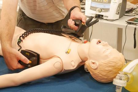 قسم الجودة وسلامة المرضى يختتم تدريب دعم الحياة المتقدم للأطفال (PALS)
