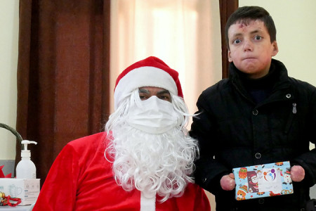 CBH Department for Social Services Celebrates Christmas with Epidermolysis Bullosa Patients
